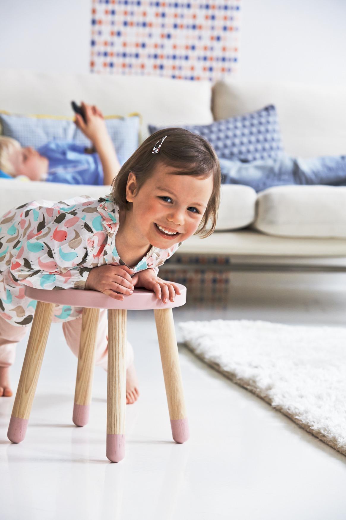 flexa play stoeltje krukje roze lief en klein. Black Bedroom Furniture Sets. Home Design Ideas