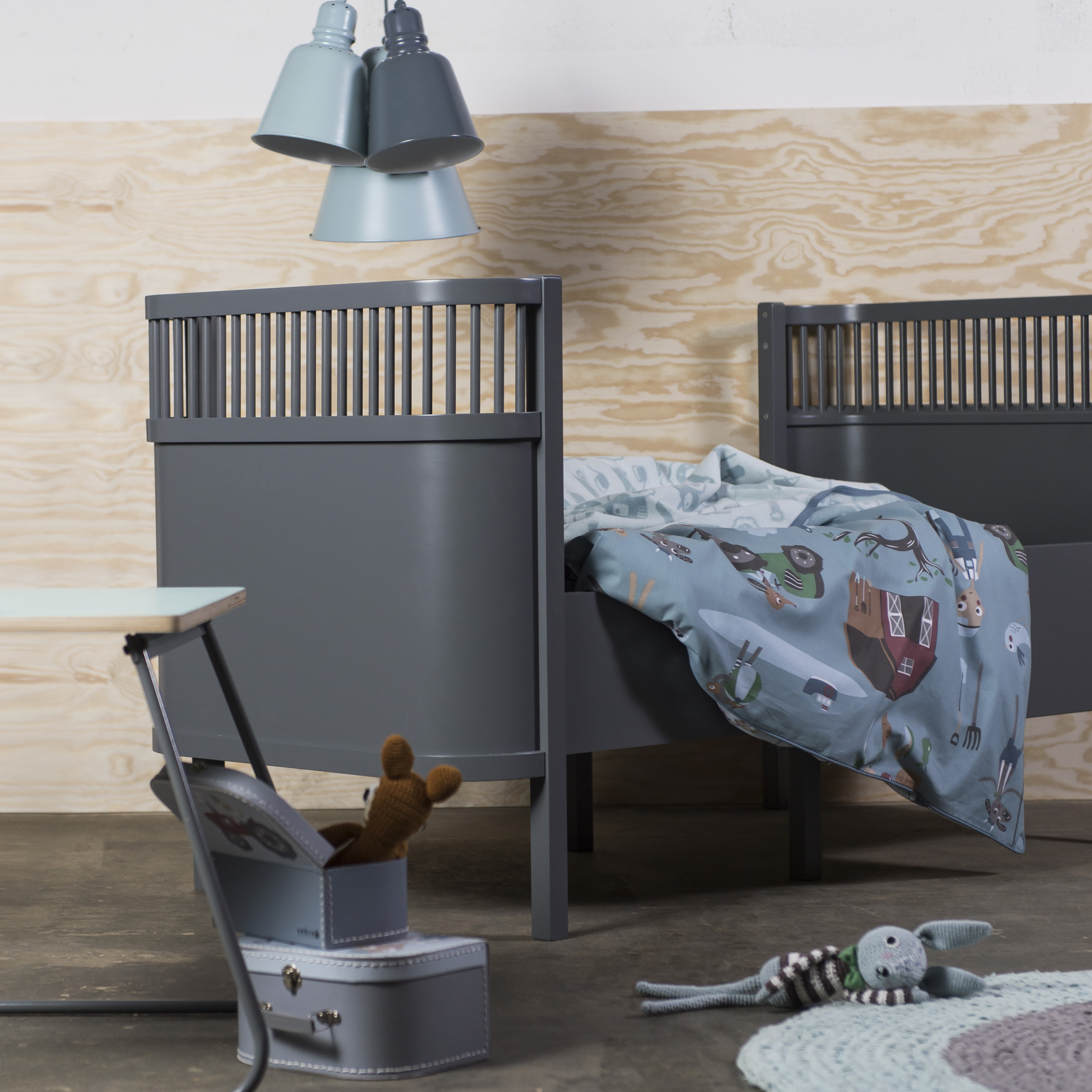 sebra kili ledikant en juniorbed grijs incl matras lief en klein. Black Bedroom Furniture Sets. Home Design Ideas