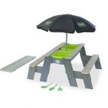 Exit aksent zand en water en picknicktafel 2 bankjes met parasol en tuingereedschap