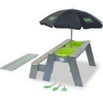 Exit aksent zand en watertafel met parasol en tuingereeschap